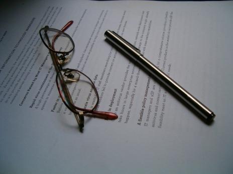 pen & glasses ALONSO & WEBER